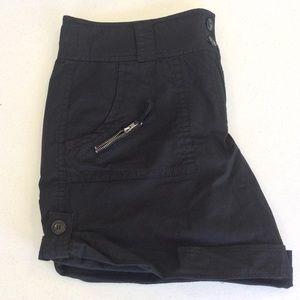 Kenneth Cole Black Roll Cuff Shorts Size 6